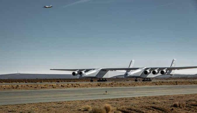 世界最大飞机持续滑行试验 已接近普通飞机升速