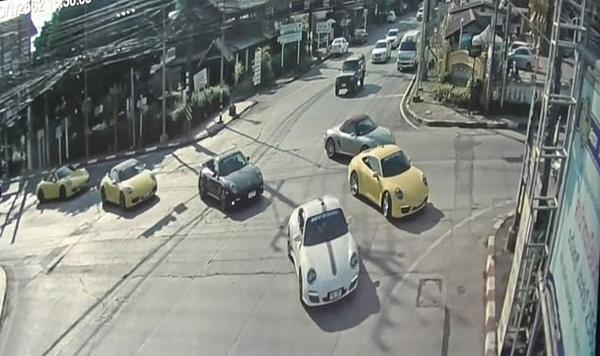 泰国32辆保时捷横行马路闯红灯惹众怒