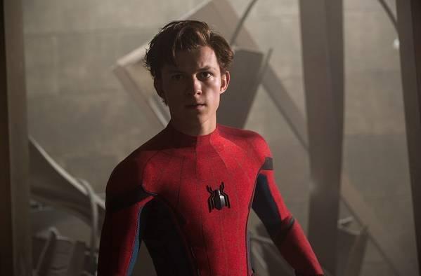 超级英雄们扒下制服后,他们穿什么?