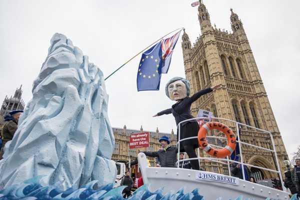 英国脱欧事件风波持续!议员们就英国退欧协议进行投票