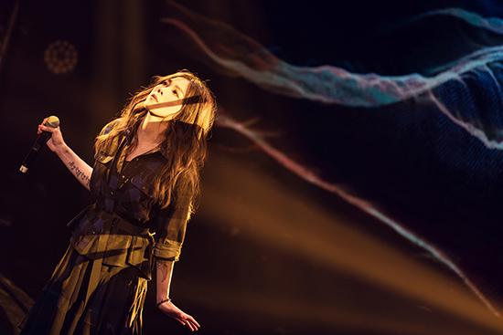 蔡健雅举办新歌唱谈会零距离互动各地乐迷