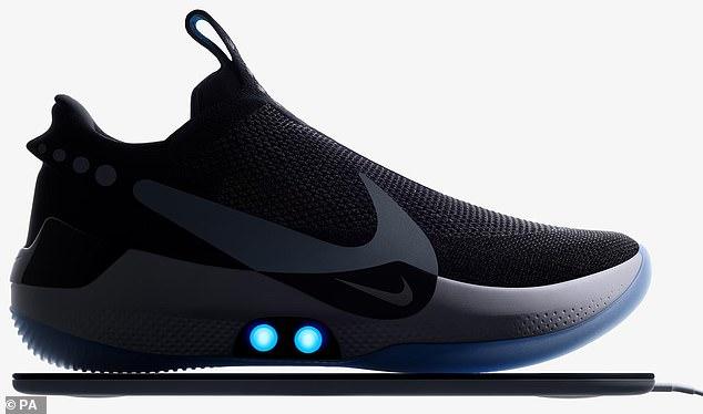 耐克发布自动系带篮球鞋 用手机软件调节鞋带