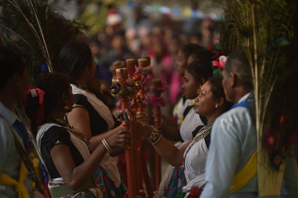 尼泊尔:加德满都民众参加Maghi节迎接新年的到来