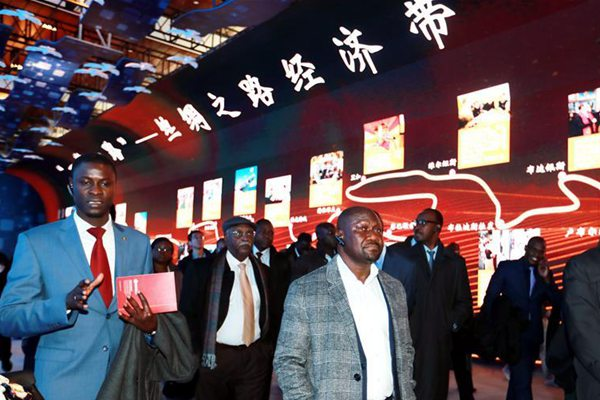 中国,未来可期——非洲使团参观庆祝改革开放40周年大型展