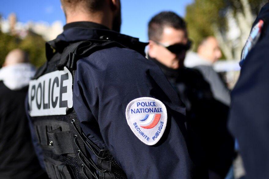多名示威者头部受重伤 法国警察总局要求警员慎用球弹枪
