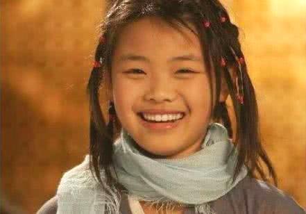 她曾是最丑童星,自卑到不敢拍戏,现被赞是天然美女