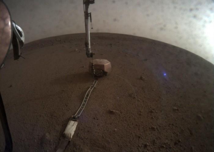 "NASA向""柯克船长""解释火星照片中的奇怪蓝光"