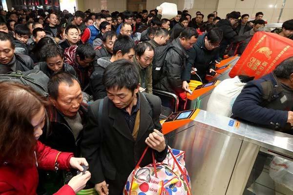 铁路上海站首趟春运临客提前开行