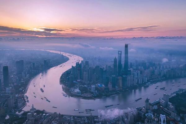 吃改革饭走开放路打创新牌 上海奋力创造发展新传奇