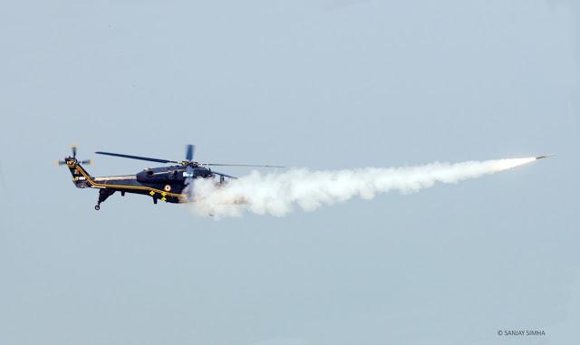 印度国产武直完成实弹测试:用空空导弹打掉敌机