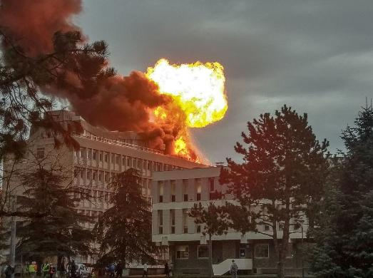 法国里昂第一大学发生爆炸 至少3人死亡