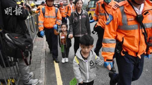 香港发生两校巴相撞意外 15名幼童及1名保姆受伤