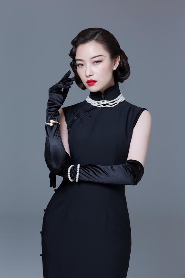 倪妮身着黑旗袍冷艳迷人,这组旗袍图简直直击心脏!