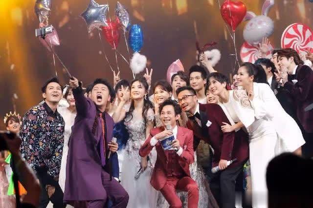 湖南卫视春晚,谢娜何炅退出主持,而她的到来却令网友倍感惊喜!
