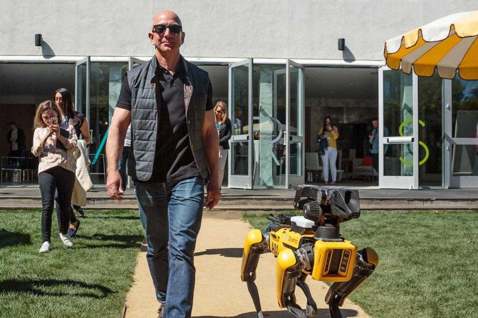 贝索斯召开新会议:关于AI、乐观主义者和亚马逊