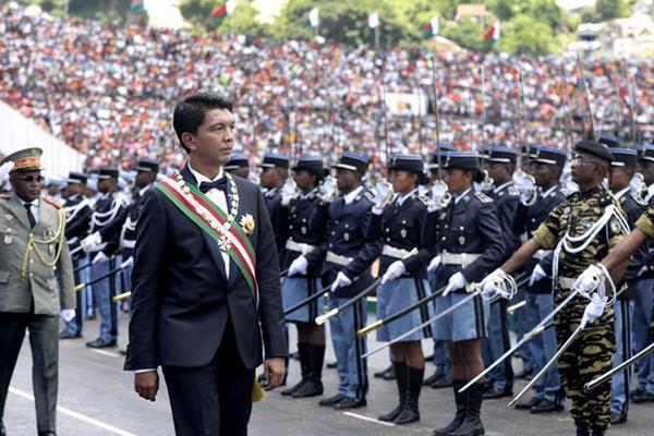 拉乔利纳宣誓就任马达加斯加总统