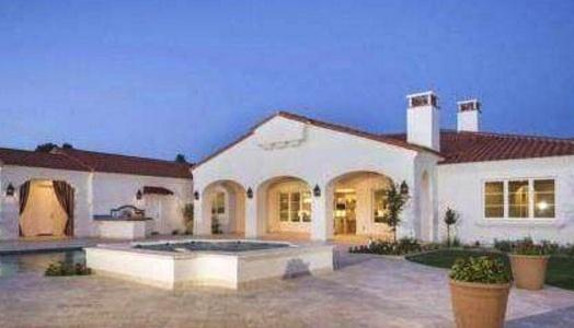 菲尔普斯在美国住的豪宅:家里泳池就有两个了,装修费要千万美金