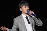 张杰自曝表演前咬伤舌头 调侃只能吹口哨跳舞