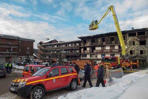法国阿尔卑斯山滑雪胜地发生火灾 致2人死亡22人受伤