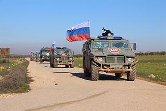 土耳其发布照片显示俄军进驻叙利亚曼比季