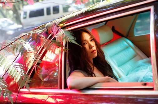 蔡健雅全新MV《半途》上线 歌曲简洁内核
