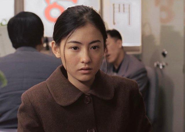 18年前的张柏芝有多美,即便是素颜出演角色,她也能清纯是似水
