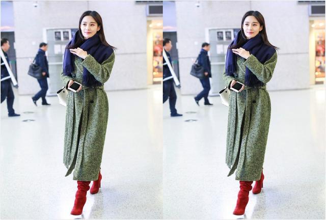 """王媛可绿色大衣配红色靴子,机场曝光""""素颜照"""",网友:眼袋好大"""