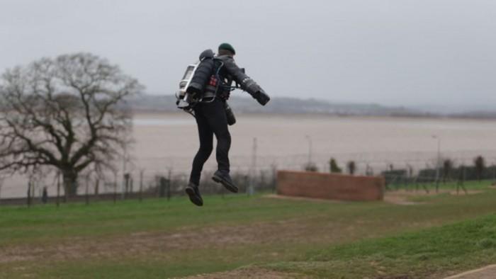 英国皇家突击队未来有望装备喷气式飞行服