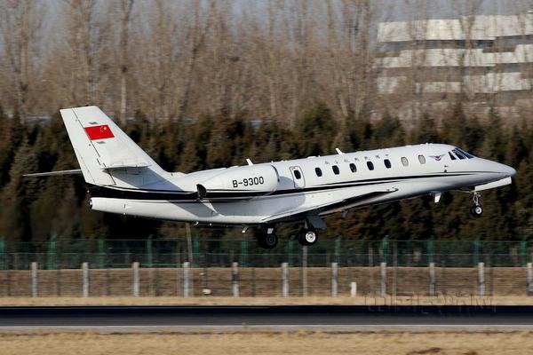 中国民航局:北京大兴国际机场迎来第一架飞机