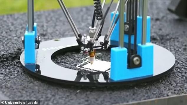 英工程师发明无人机修复道路 使用3D打印沥青
