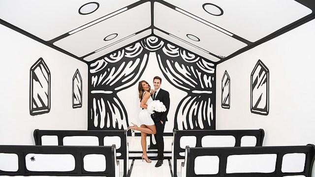 来结婚吧!美赌城卡通风格婚礼小教堂吸引眼球