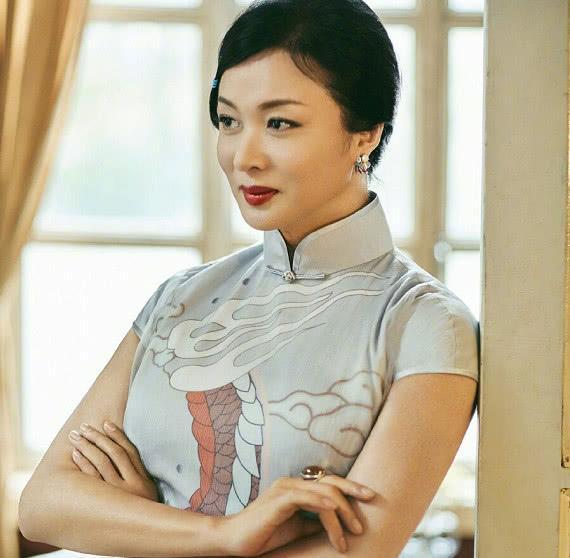 陈昱霖拍过三部剧,一部让赵丽颖给她作配,两部都有吴秀波海清
