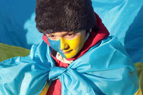 蓝黄成为主色调!乌克兰庆祝统一日100周年举国欢腾