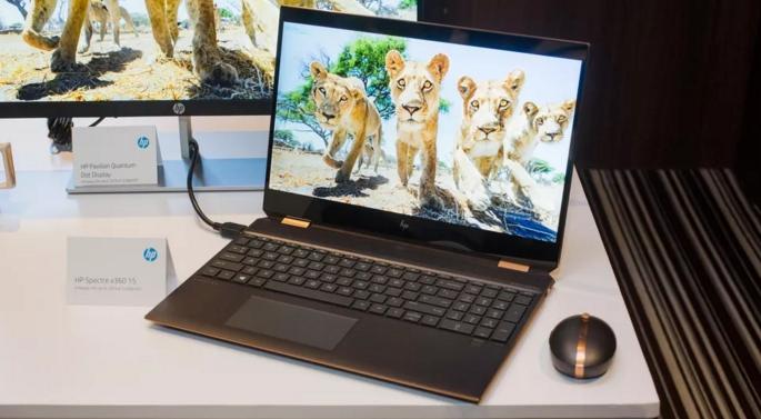三星携15.6英寸显示屏进军高性能笔记本电脑市场