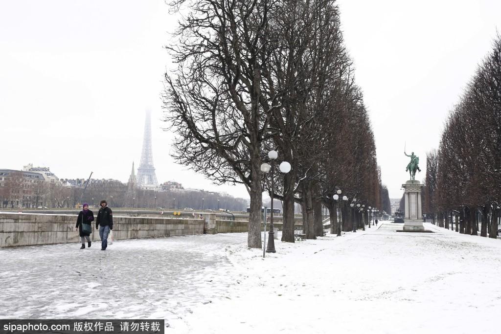 法国迎来2019年初雪 大部分地区处于橙色冰雪警戒状态
