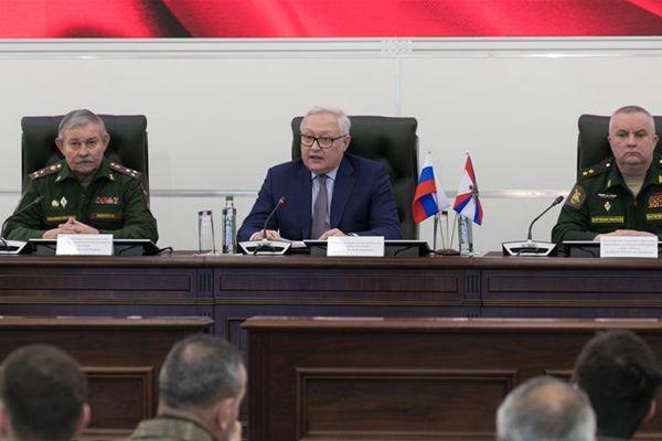 俄副外长:期待与美国就维持《中导条约》再次对话