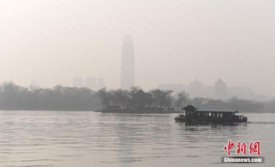 西藏南部有强降雪 华北南部黄淮江淮有雾霾