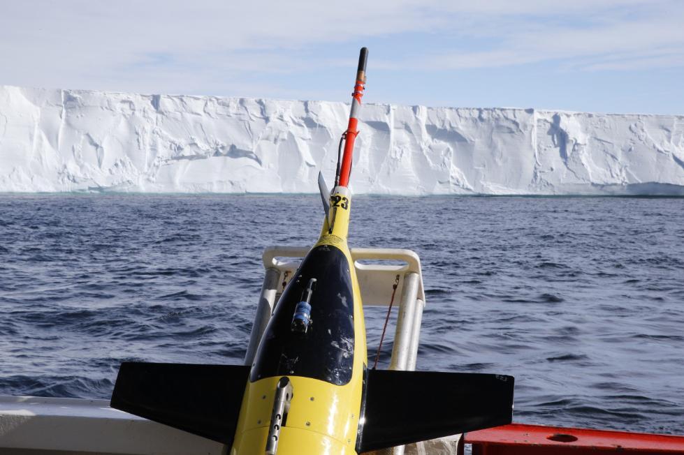 保罗·艾伦生前资助 无人潜艇在南极冰下巡航一年