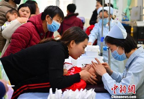 卫健委:保障病人就医需求 加强流感药品物资保障