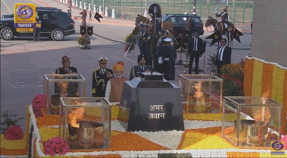 """观印度阅兵,眼中不能只有""""叠罗汉"""""""