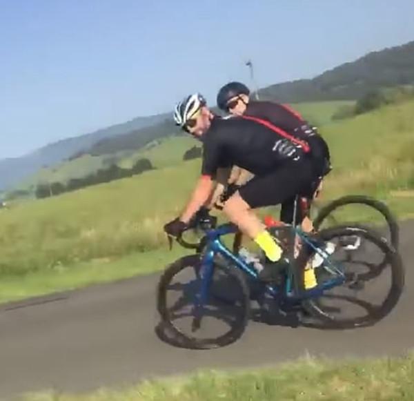 澳司机谩骂未在专门车道的自行车骑手引争议