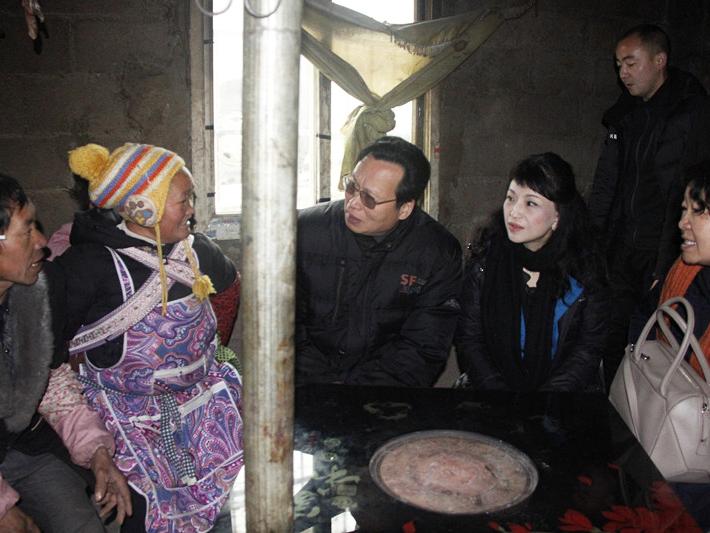 全国工商联副主席谢经荣副主席赴织金调研精准扶贫工作