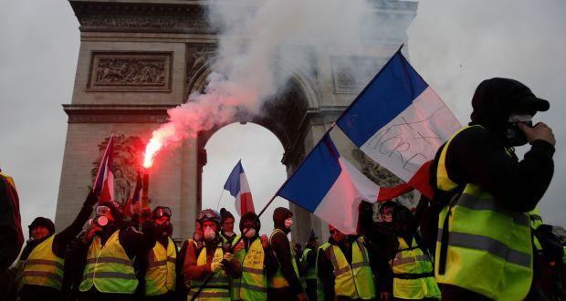 """法国""""黄背心""""运动领导者眼部中弹 恐终生残疾"""