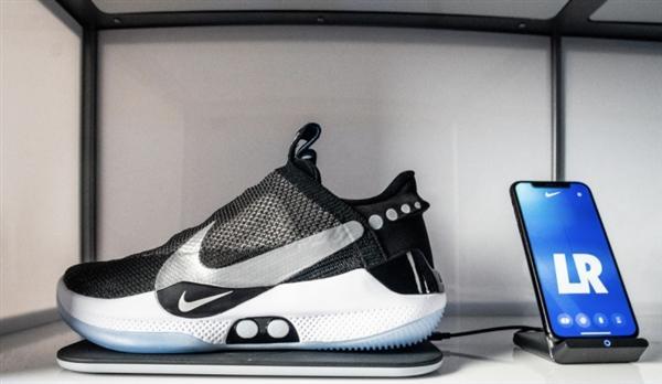 耐克自动系带运动鞋将在美发售 售价350美元