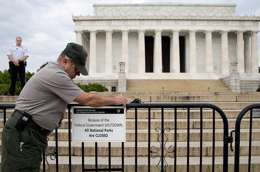 美国压力报告:政治环境让美国民众感到焦虑
