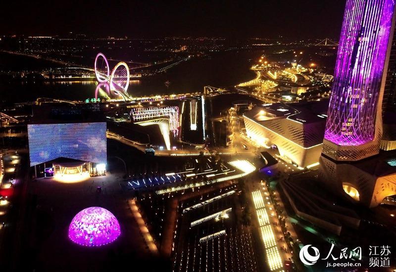 南京青奥艺术灯会:激活青奥遗产 展现新城魅力