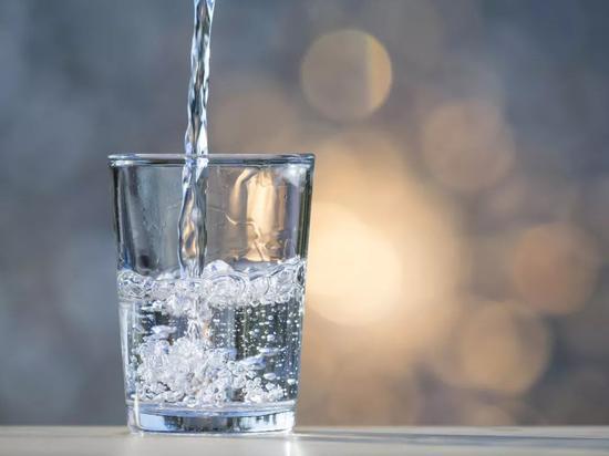 流感来了要多喝热水?艾滋病能治愈了?这些都是谣言!