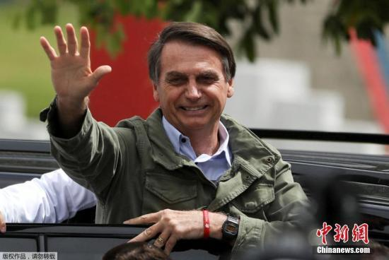 """巴西总统再上手术台 移除""""遇刺""""后手术残留"""