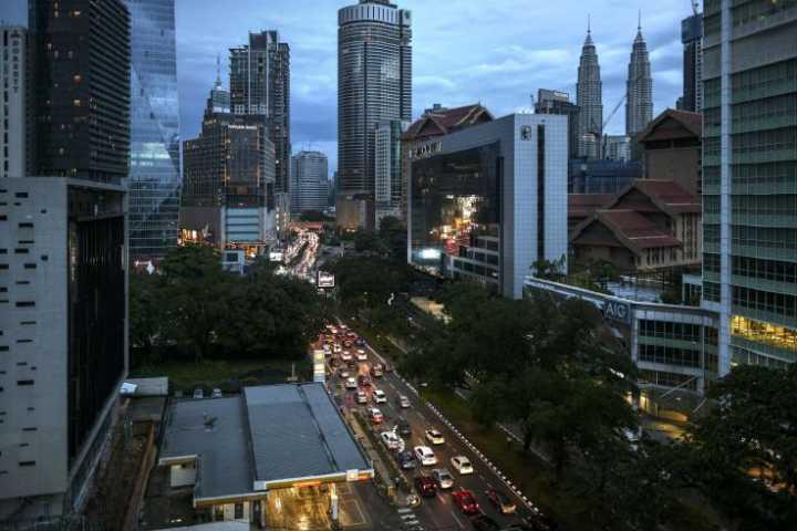 惨!两名马来西亚老妇抢免费餐券时因呼吸困难死亡