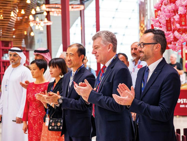 迪拜机场为吸引中国游客:中文菜单、可用支付宝